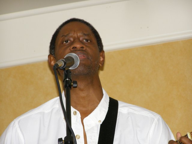 Tim Russ playing music in Orlando, Oct. 27, 2006