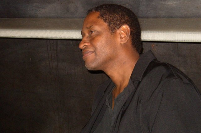 Tim Russ signing autographs in Seattle, Sept. 9, 2006